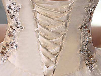 Химчистка платья свадебного спб